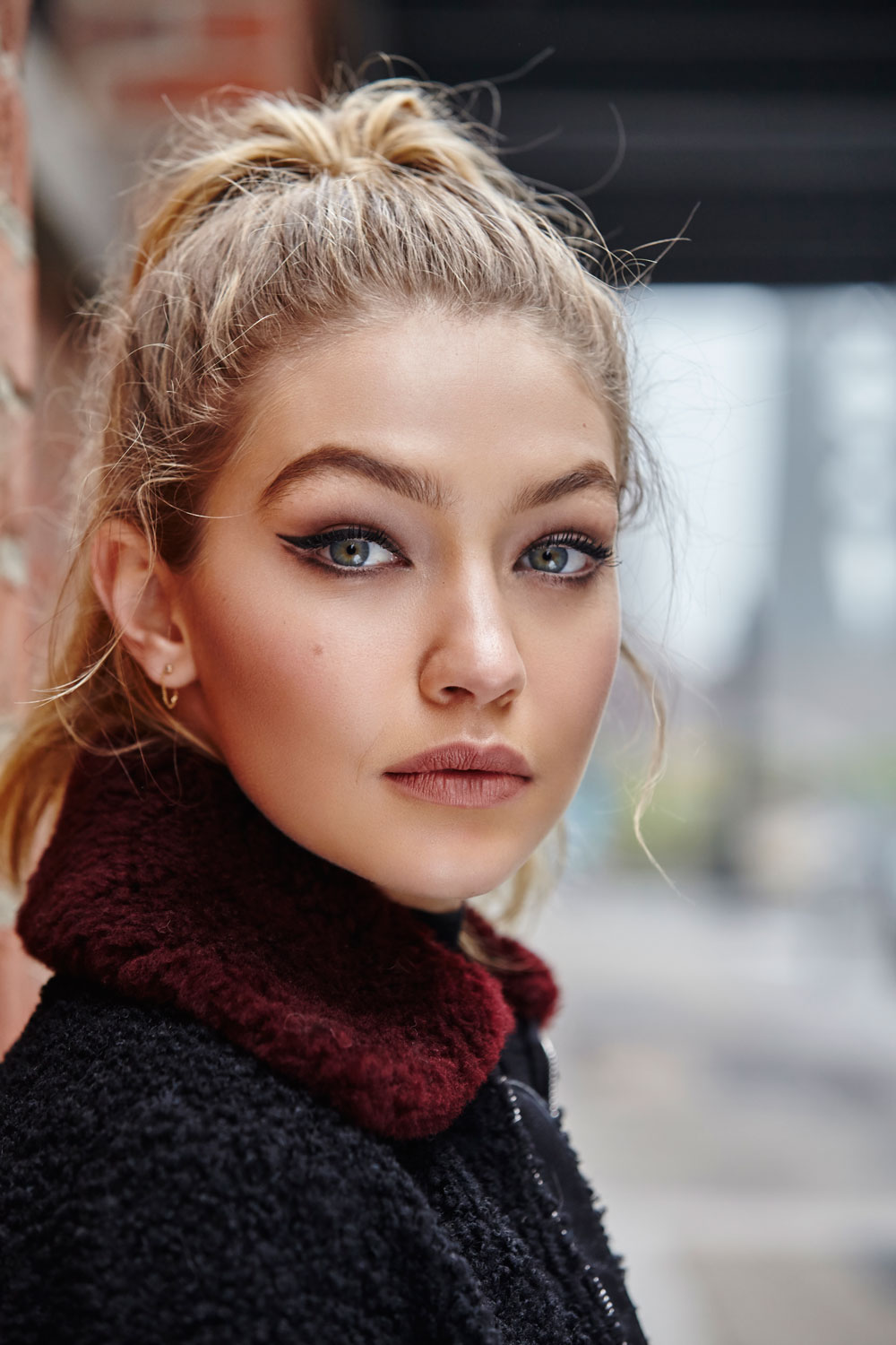 Gigi Hadid Fashion Awards Brown Lipstick | Teen Vogue