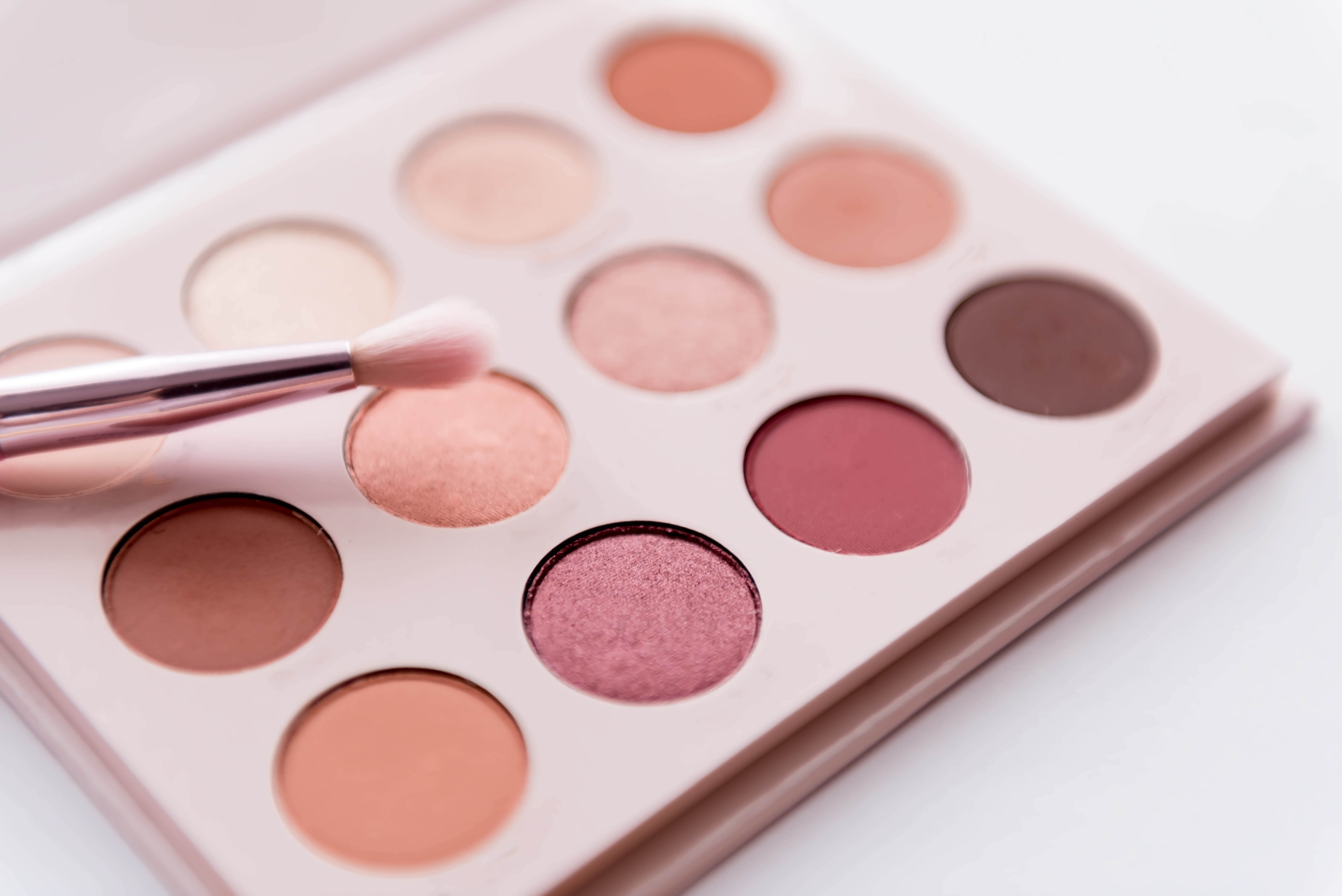 12 Nude Eyeshadow Palettes To Try If You Love Urban Decay