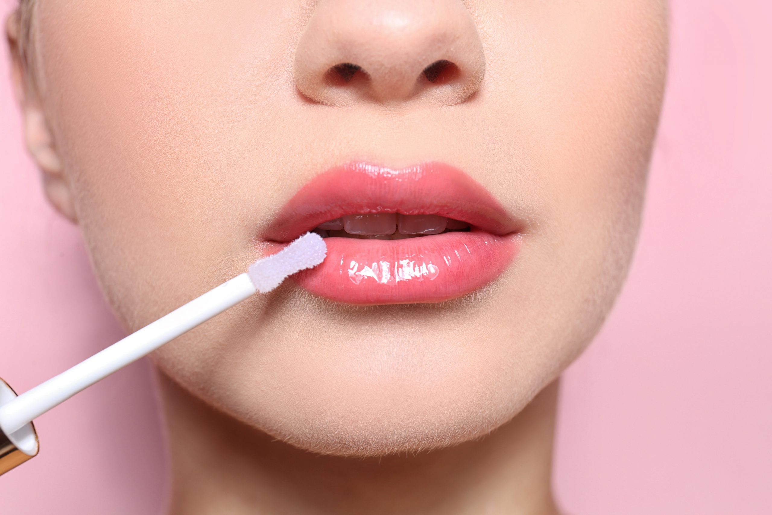 Lips Too Pale and Too Thin? Could Cosmetic Lip Tattoo Be the Solution for You?