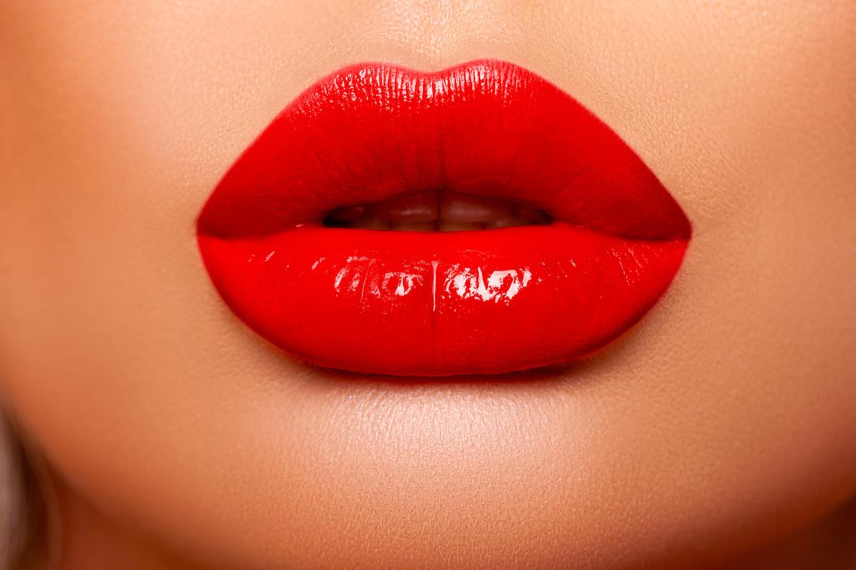 Buyer Beware: Risks of Buying Hyaluronic Acid Fillers Online for Plumper Lips